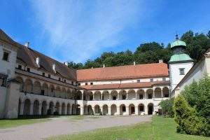 Sucha_Beskidzka_Castle_(2) (Copy)