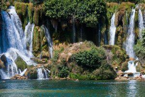 waterfall-2304174_1920